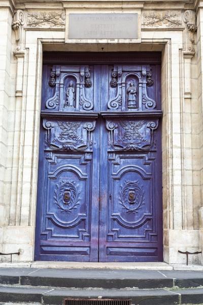 Catholic church Saint Etienne du Mont by rninov