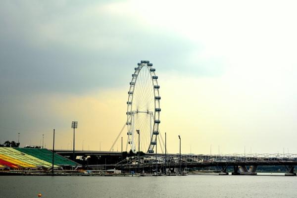 Giant Wheel by jini