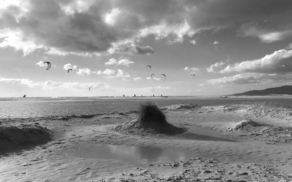 Tarifa - kite surfing by BRobins