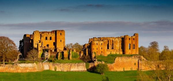 Kenilworth Castle by richard44