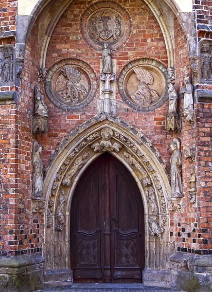 Marienkirche Door by FotoDen
