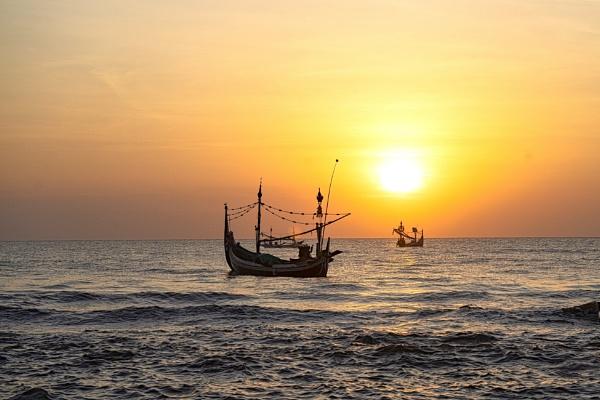 Fishermen by Samiudin