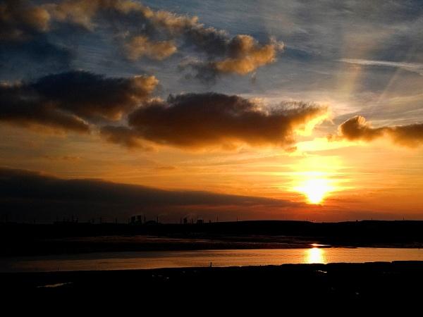 Greatham Creek Sunset by terra