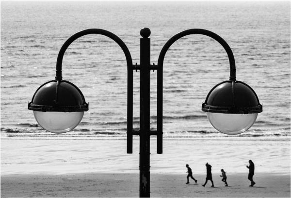 A walk on the beach. by franken