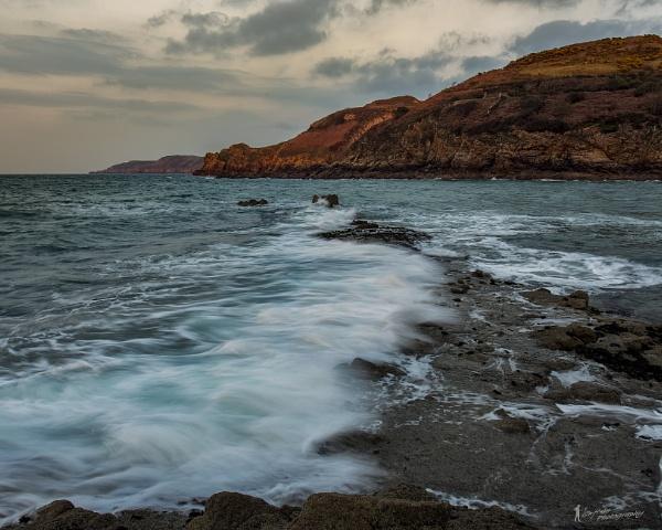 Greve de Lecq Waves by happysnapper