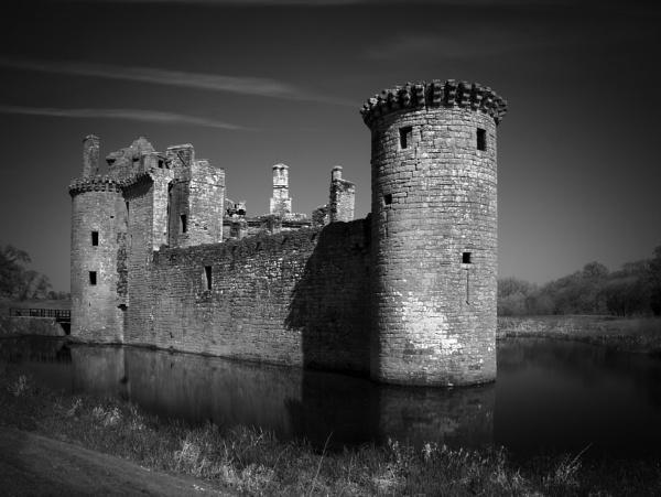 Caerlaverock Castle by buddiePhotographer