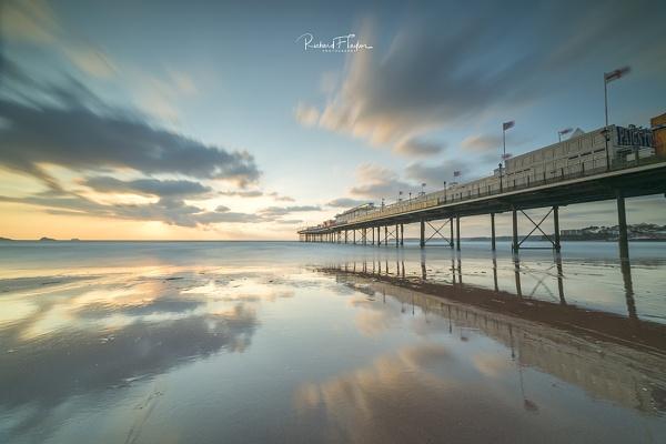 Paignton sunrise by taylorri40