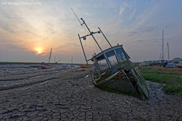 That Sinking Feeling! by Alffoto