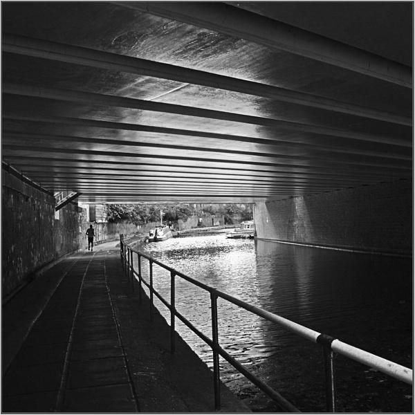 Jogging along the Regents Canal by AlfieK