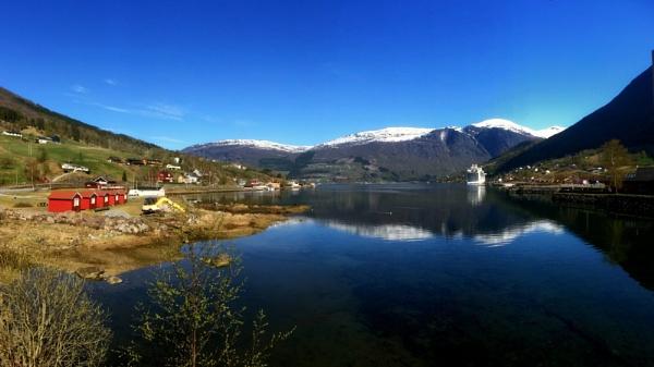 Olden, Nordfjorden, Norway by miptog
