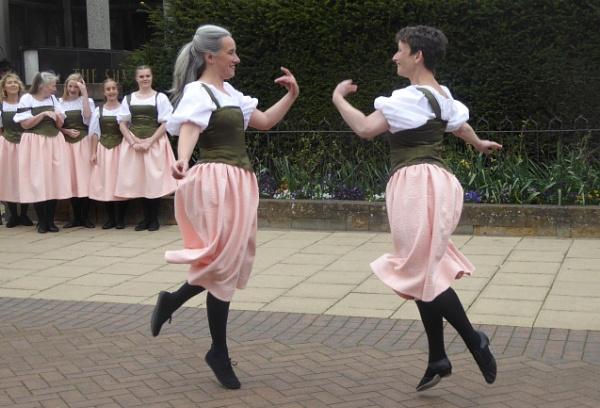 Dancing Girls by happysnapperman