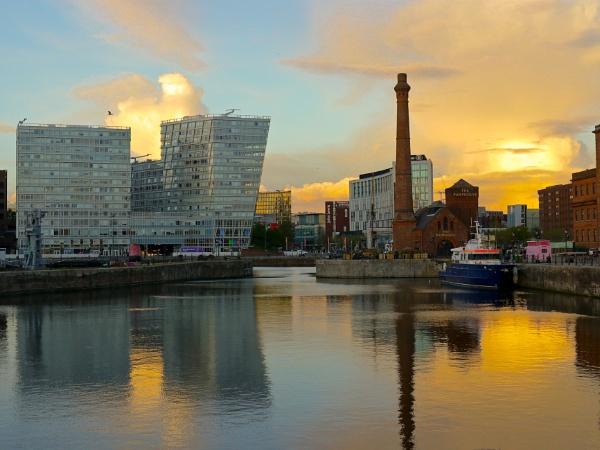 Liverpool, Albert Dock by minelab