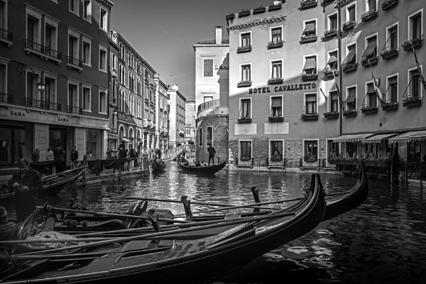 Hotel Cavalletto Venice by pitotstatic