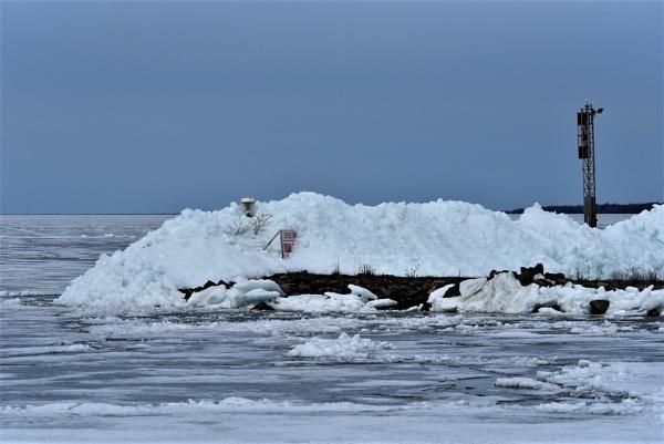 Lake Nipissing ice by djh698