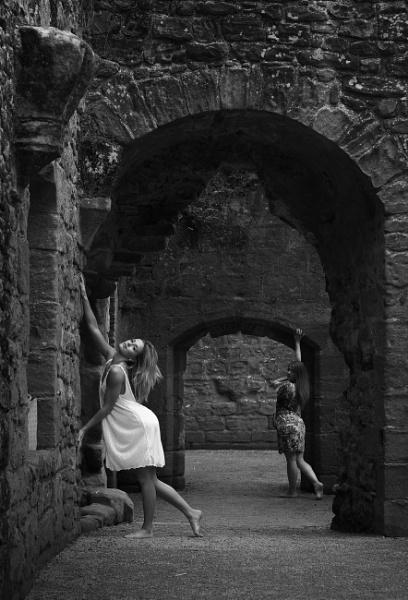 Ancient walls. by shishidog