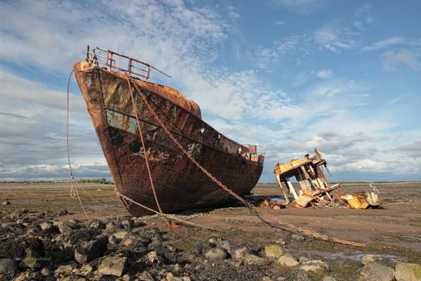 Vita Nova rusting away by canoncarol