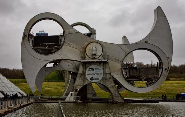 The Falkirk Wheel by peterellison