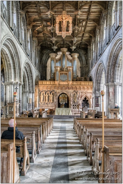 St David\'s Cathedral Interior: 1 by TrevBatWCC