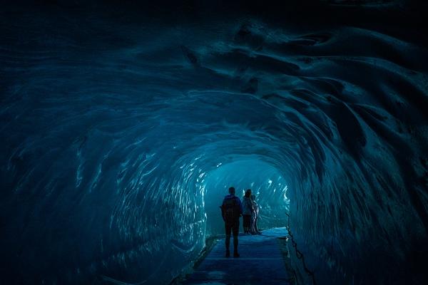 Ice tunnel Chamonix by rontear
