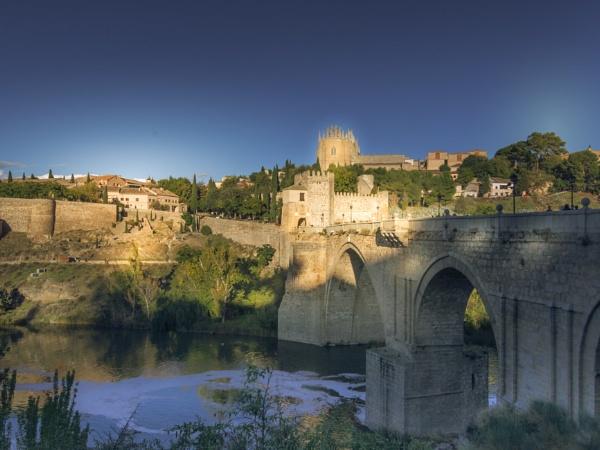 Toledo by bobbyl