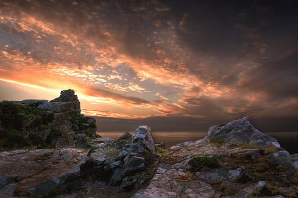 Evening night on the rocks by DaveShandley