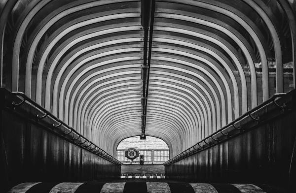 tunel by mogobiker