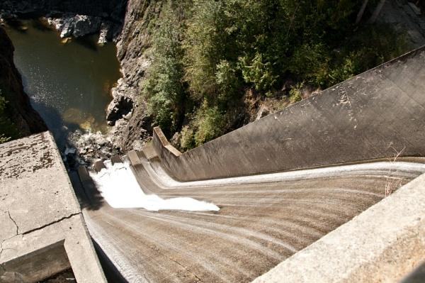 Capilano Dam - Vancouver by barryyoungnz
