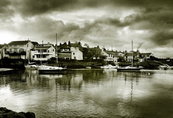 Cemaes Bay by Alfoto