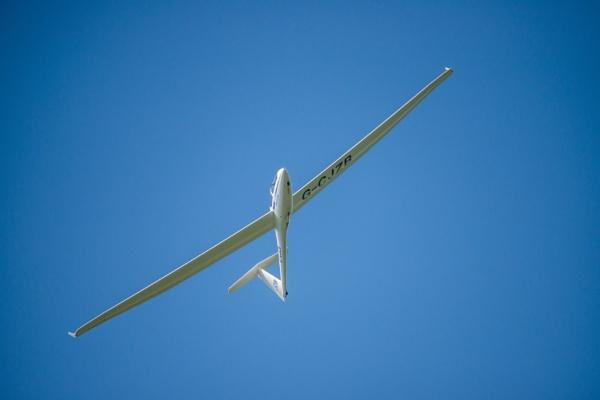 Flight path by icphoto