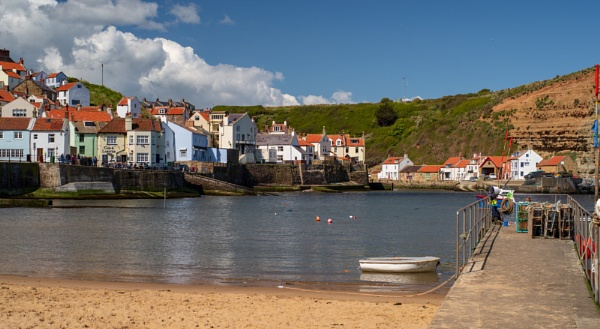 Staithes North Yorkshire. by Belleyeteres