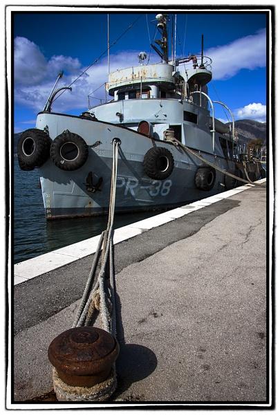 Old Boat by nklakor