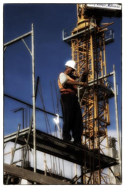 Man at work by nklakor