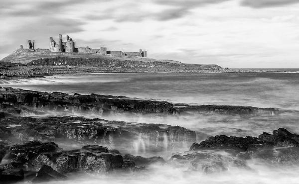 Rocks.Sea.Castle by Lsnail