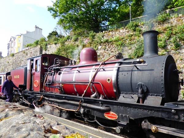 Welsh Steam Train. by Gypsyman