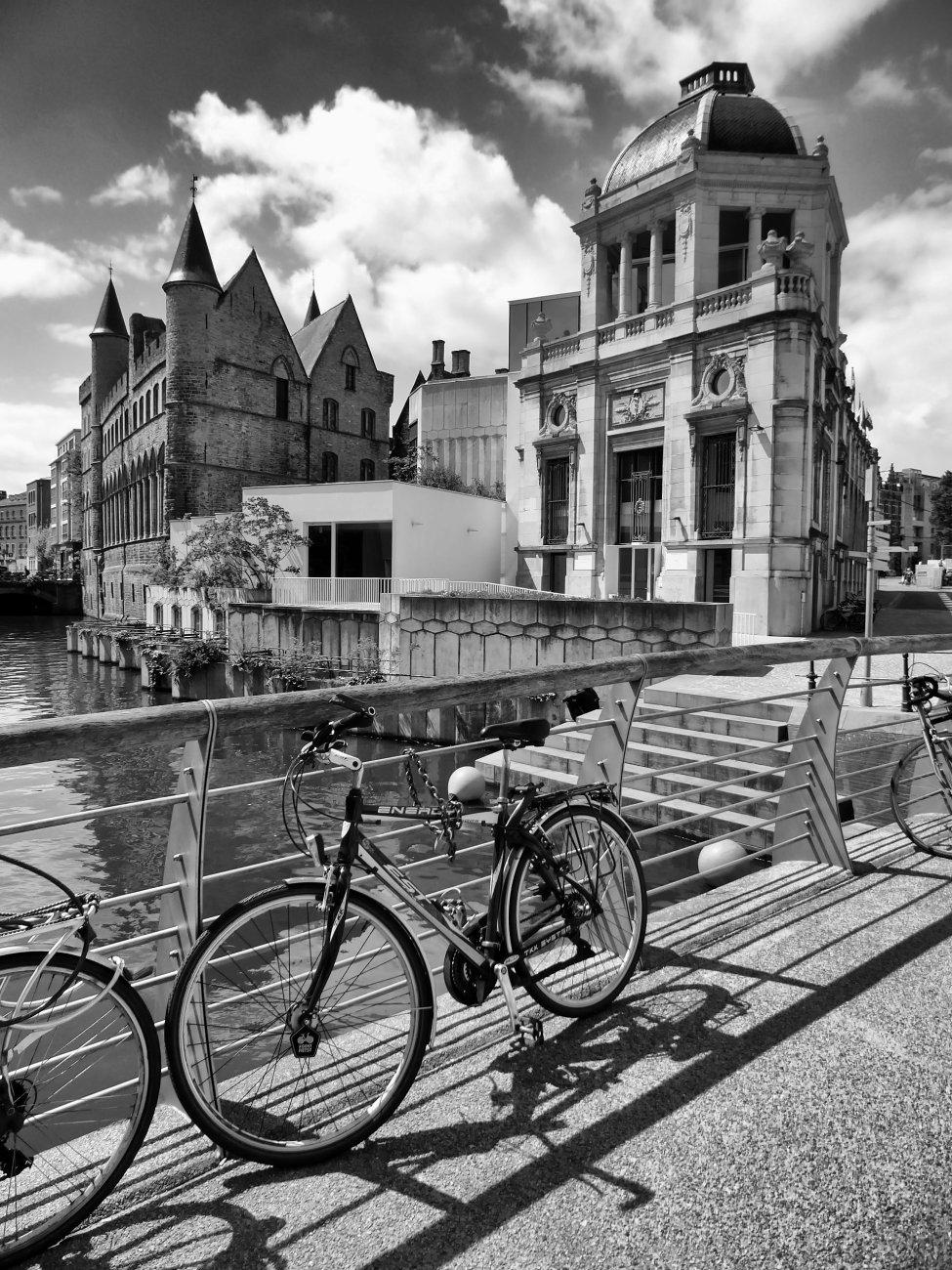 Shadows on the Wijdenaard Bridge