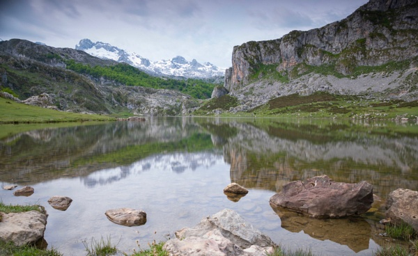 Lago Ercina by hrsimages