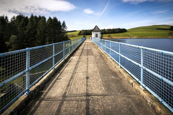 Winterhope Reservoir by TrotterFechan