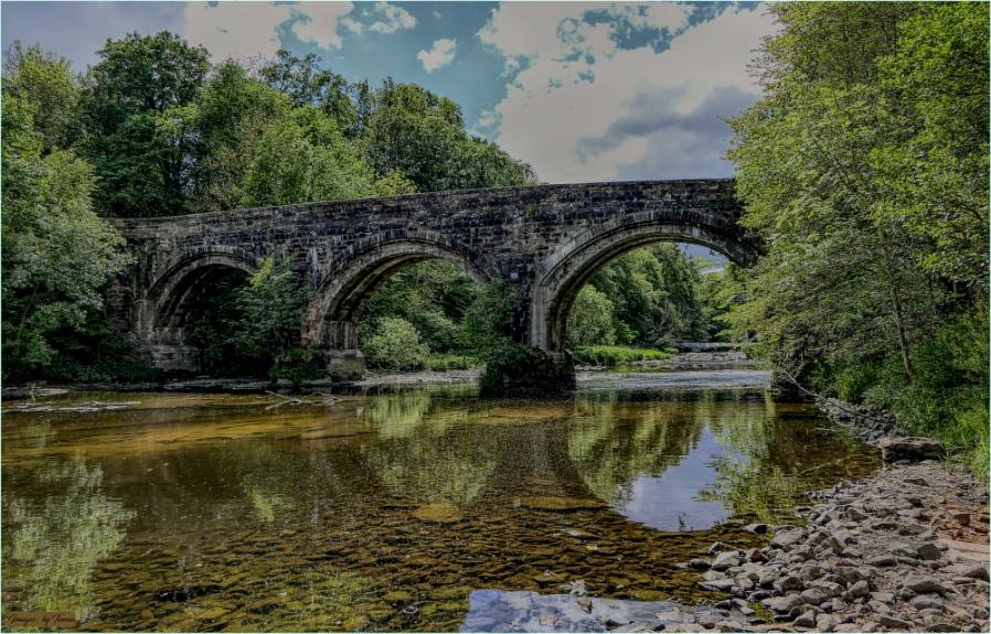 The Old Avon Bridge.
