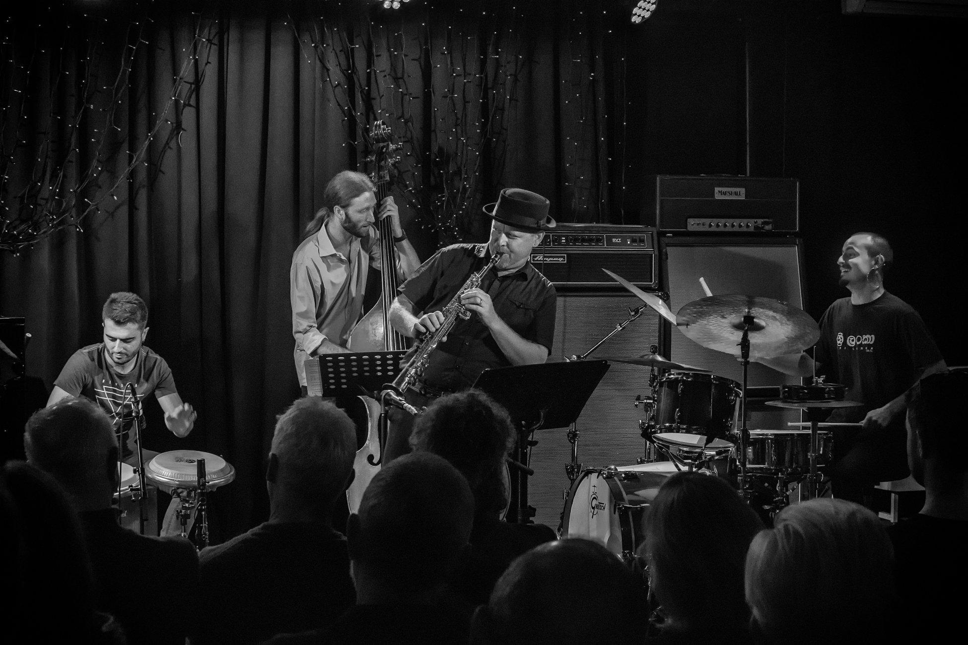 Zela Margossian Quintet. (2)