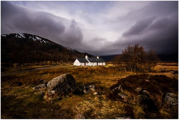 black rock cottage by dven