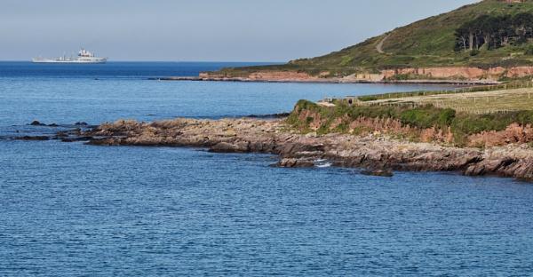 Wembury Bay shore line by Ball82