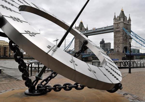 Tower bridge by Paulocks