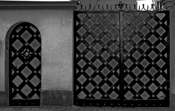 Entrance by Danas