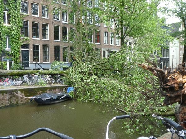 Amsterdam Storm by raywalker