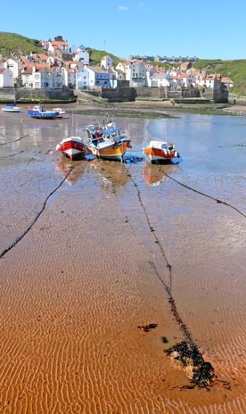 Boats at Staithes by nanpantanman