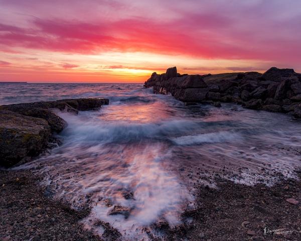 Archirondel Sunrise by happysnapper