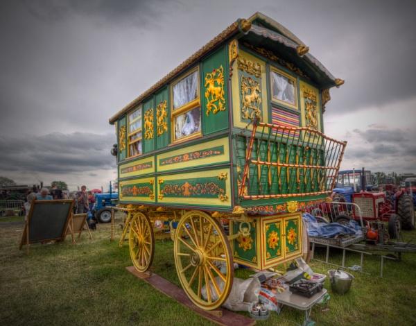 caravan by tanglewoodplayer