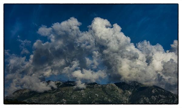 Cloud dance by nklakor
