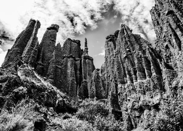 Pinnacles  NZ (4) by barryyoungnz