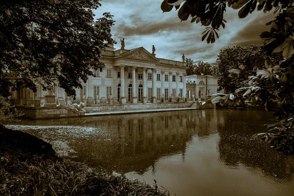 Łazienki Królewskie by TreefrogPhotography
